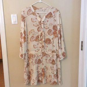 hinge Loose Fit Floral Dress